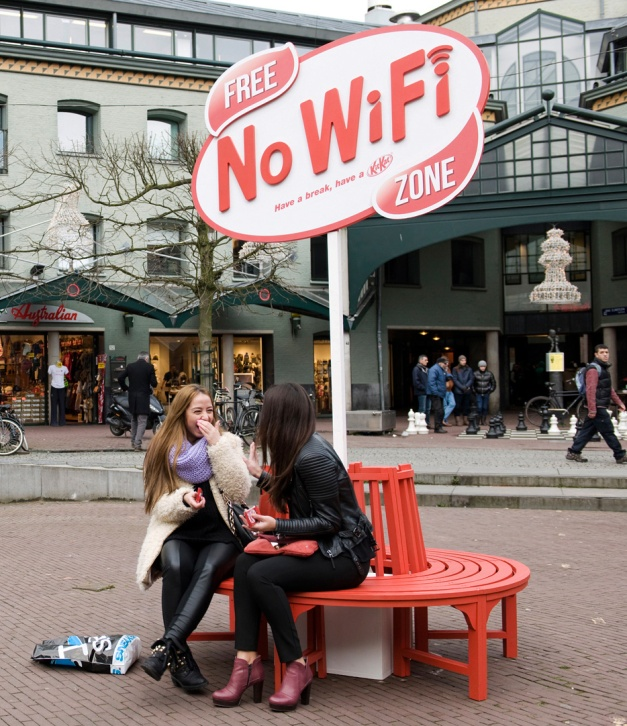Kit-Kat-Free-No-WiFi-Zone-Jan.-2013